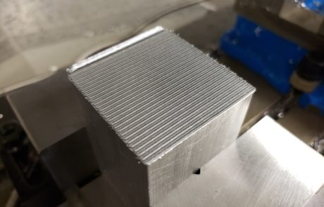 Comparative view of linear toolpath approach