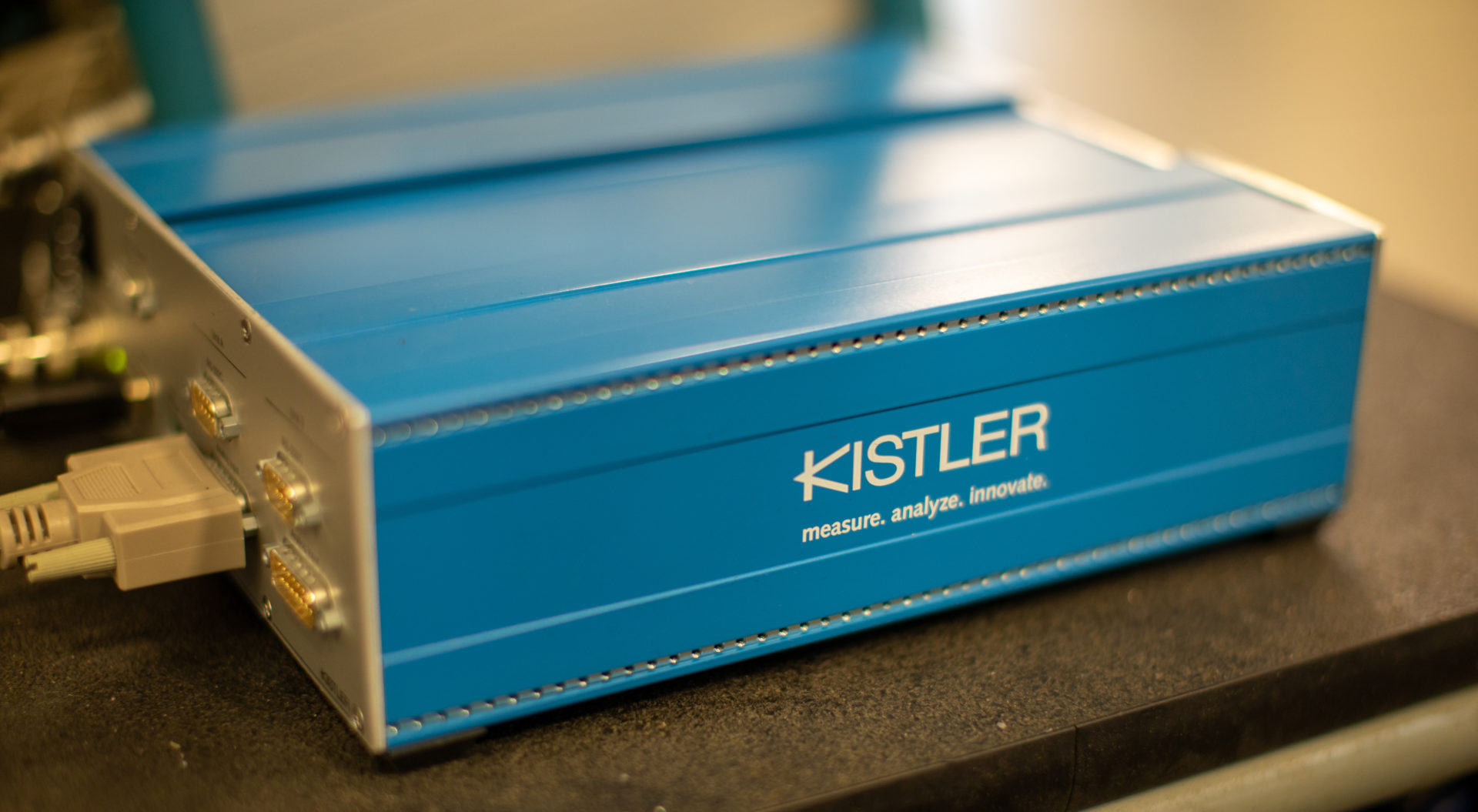 Side view Kistler DAQ