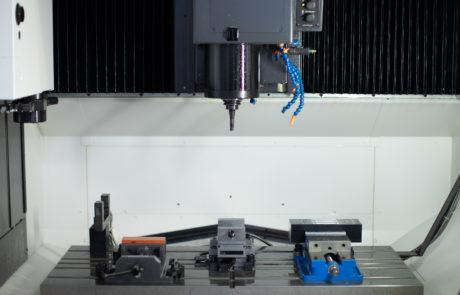 Okuma GENOSM560-V CNC Mill